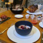 Leckeres Frühstück in der Normandie